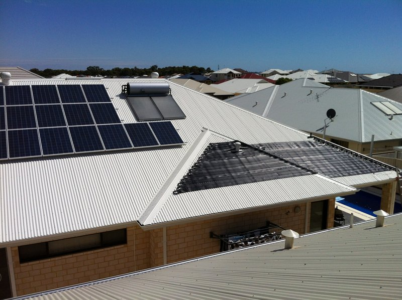 Madora Bay, WA. Istallation with solar pool heating, solar power and solar hot water.