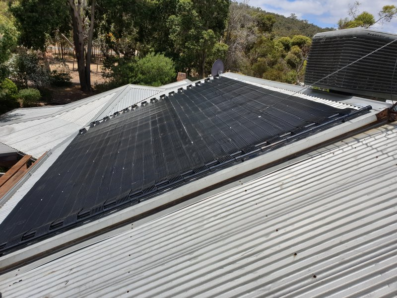 North Byford, WA. Another quality solar pool heating installation.